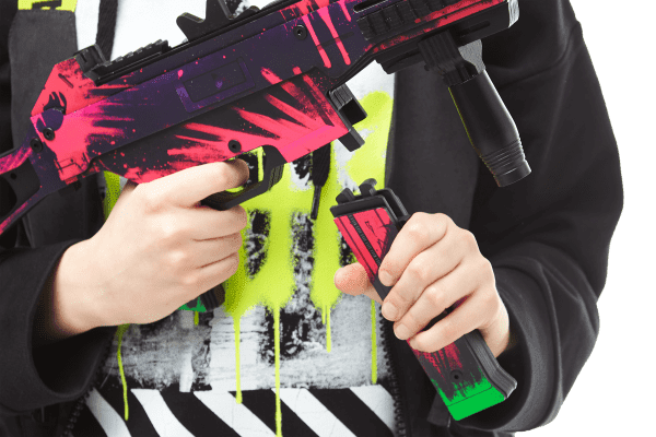Пистолет-пулемет VozWooden Active UMP-45 Неоновая революция (деревянный резинкострел) Фото №5